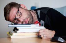 Нарколепсия: причины, симптоматика и лечение